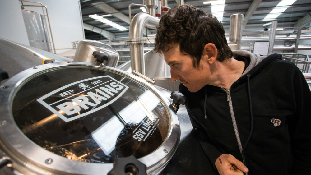 Geraint Thomas watching the beer brew